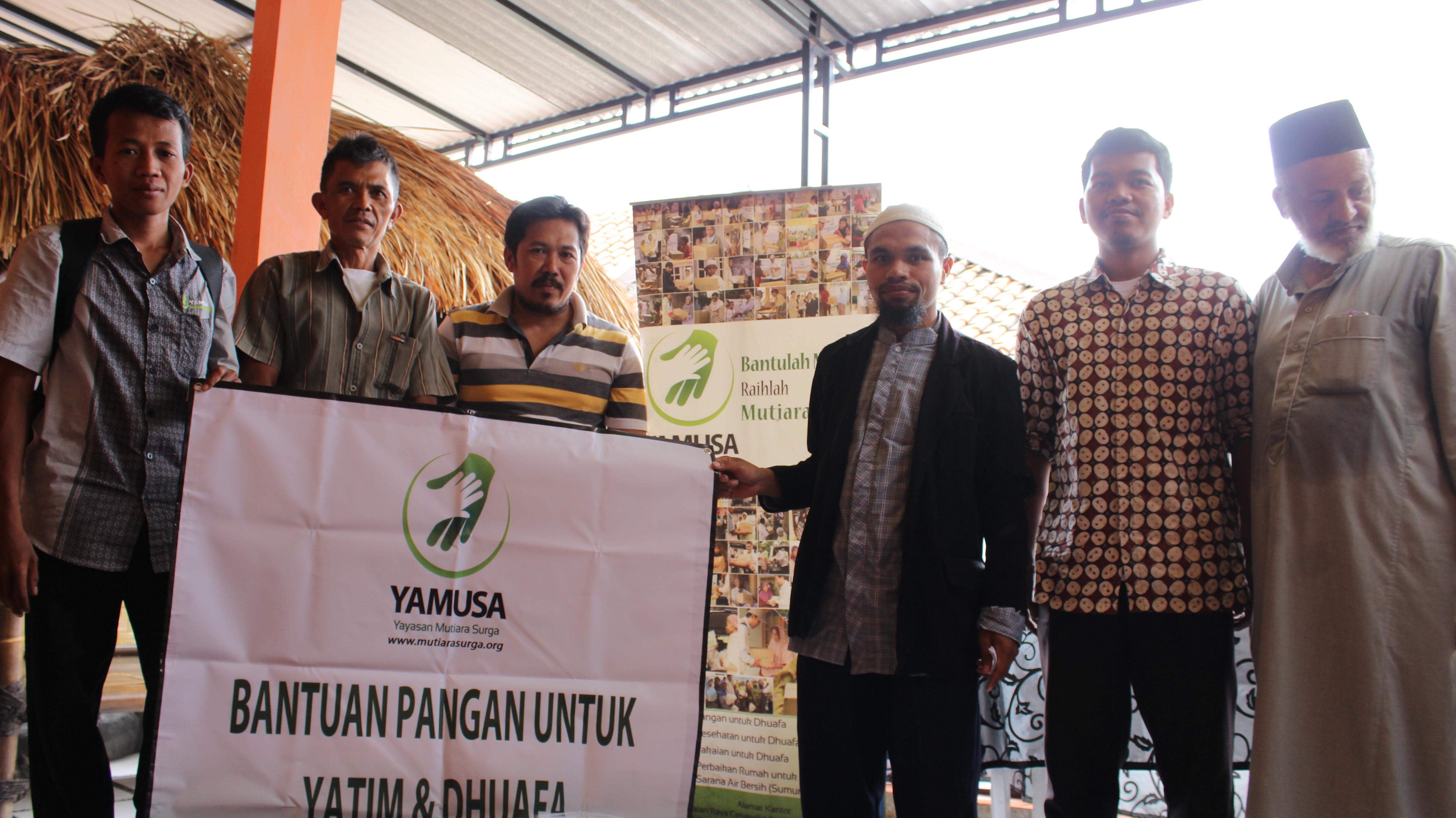 Penyaluran Bantuan Pangan di Desa Sukamatri RW. 05, RT. 01,02 dan 03