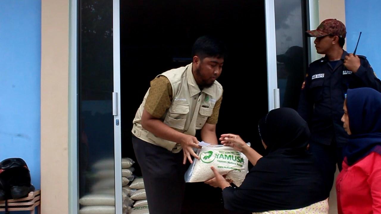Pembagian Perdana di Kantor baru ( Rt.02 Jl.Asrama Badak Putih Rt.02/01 No. 6B Kota Batu, Ciomas-Bogor)