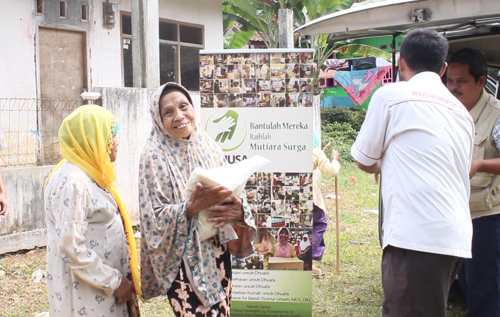 Tebar Pangan di Kp.lebak wangi Rt.11&12 Desa palasari hilir. Kec.parungkuda-Sukabumi.