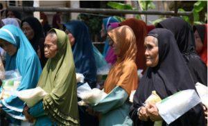 bantuan pangan yamusa untuk lansia dhu'afa kampung buniaga taansari bogor