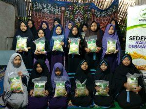 Distribusi Mushaf dan Pangan ke Ponpes Darul Huffadz