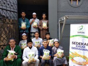 Yamusa Berbagi Pangan dan Tebar sejuta Al-Qur'an di Rumah Tahfidzul Qur'an Al Muroqobah