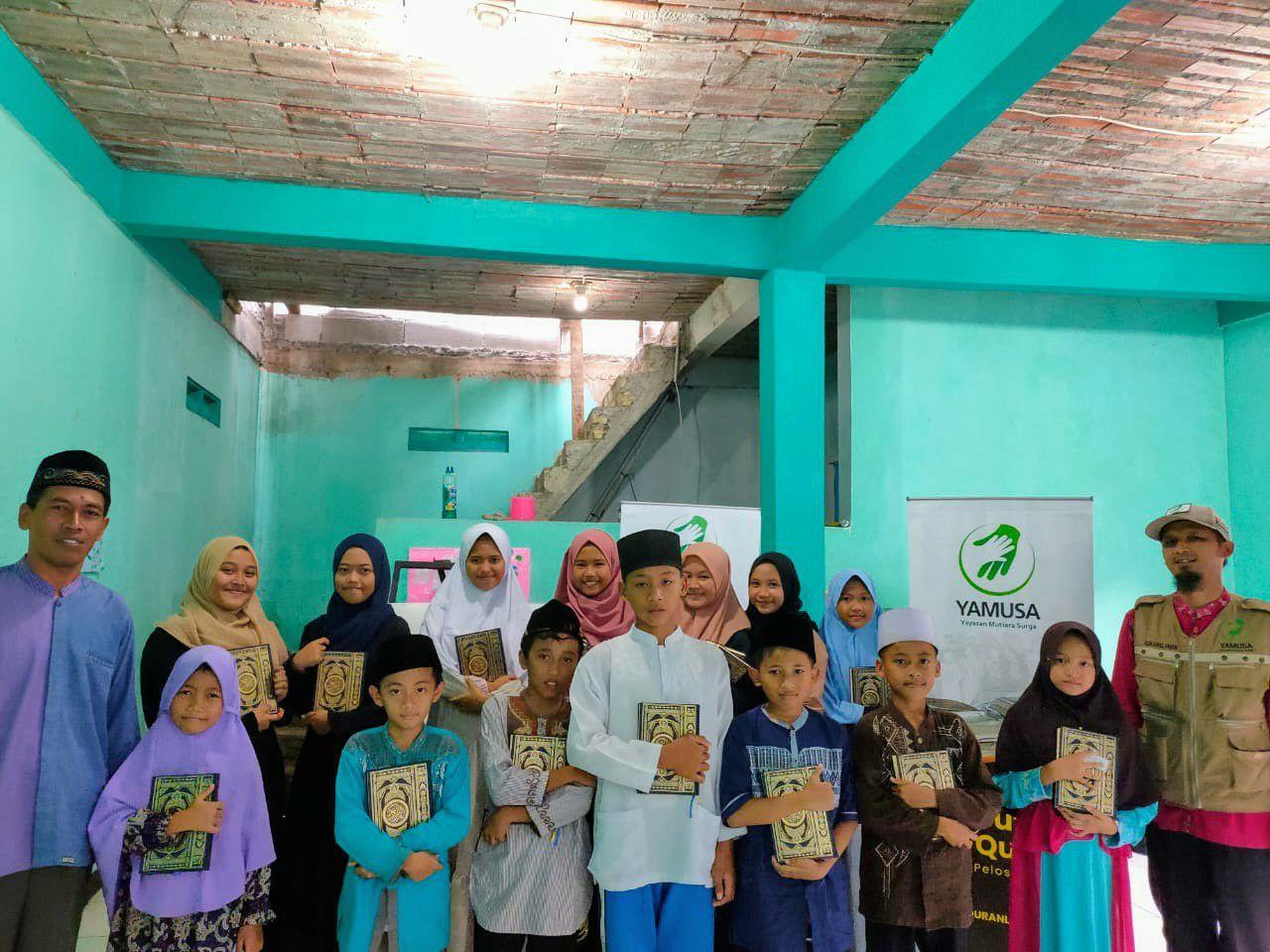 Tebar Al-Qur'an di Ponpes Darul Furqon Kab Bogor