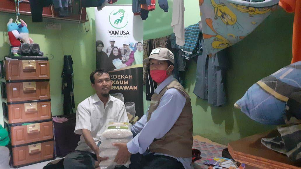 Bantuan Lockdown untuk Keluarga Pak Rahmat Kampung Tamansari Bogor
