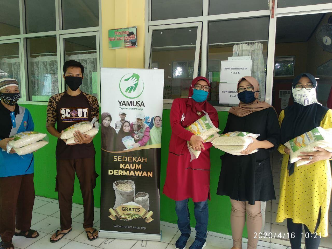 Yamusa Peduli Guru Honorer Tamansari Kab Bogor