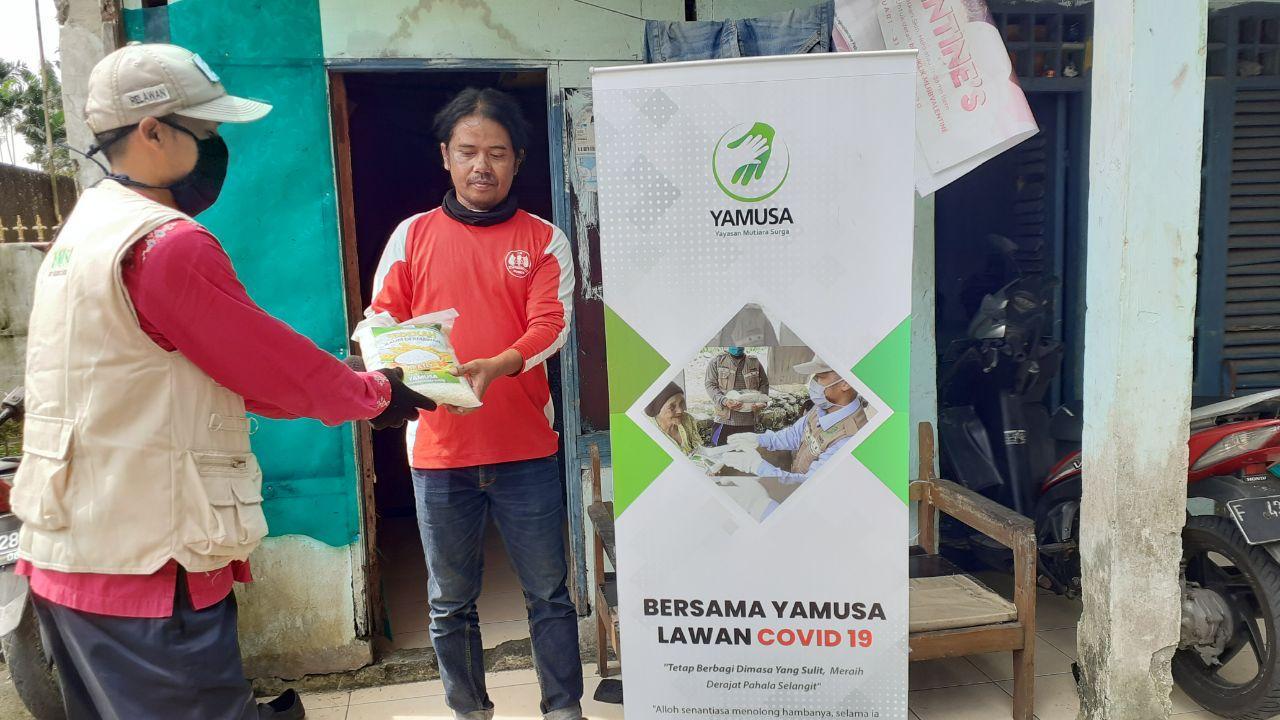 Yamusa Tanggap Lockdown Terdampak Covid19 Kepada 100 Warga Tamansari Bogor