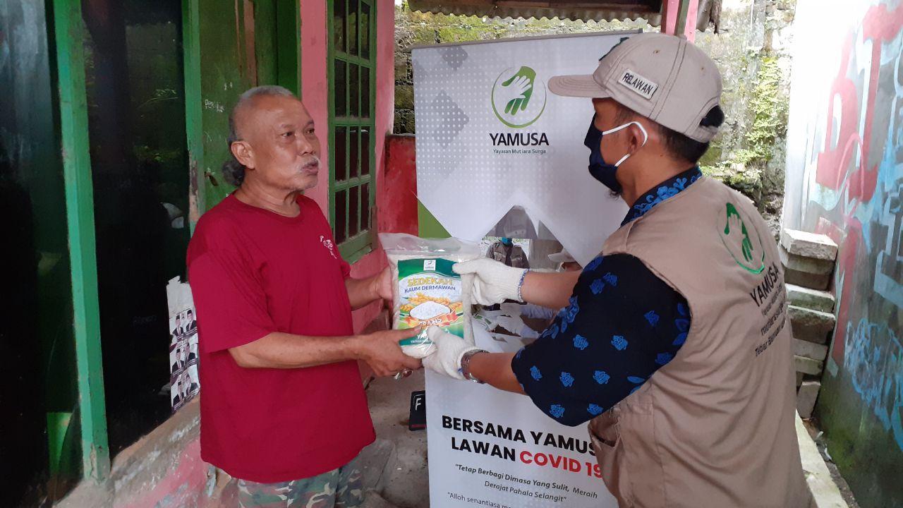 Yamusa Tanggap Pangan Warga Terdampak Lockdown Tamansari Kab Bogor