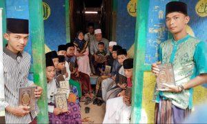 Distribusi Al-Quran untuk Santri Al-Barokah Kec Rumpin Kab Bogor