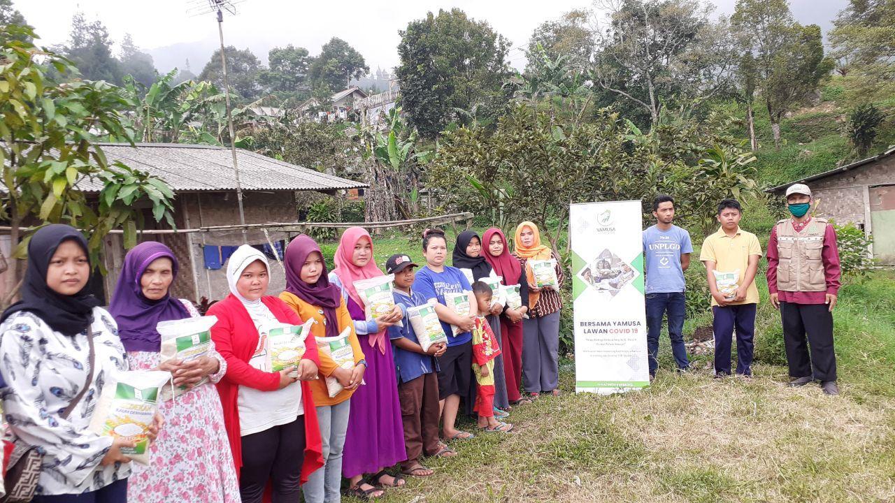 Bantuan Pangan untuk Para Manula, Janda, Dhuafa Kab Bogor