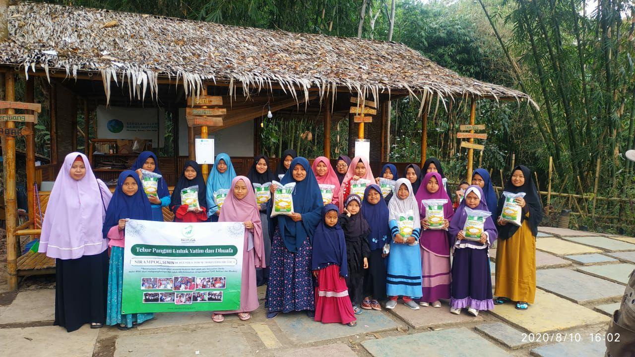 Bantuan untuk Ponpes Darul Huffadz Sirampong