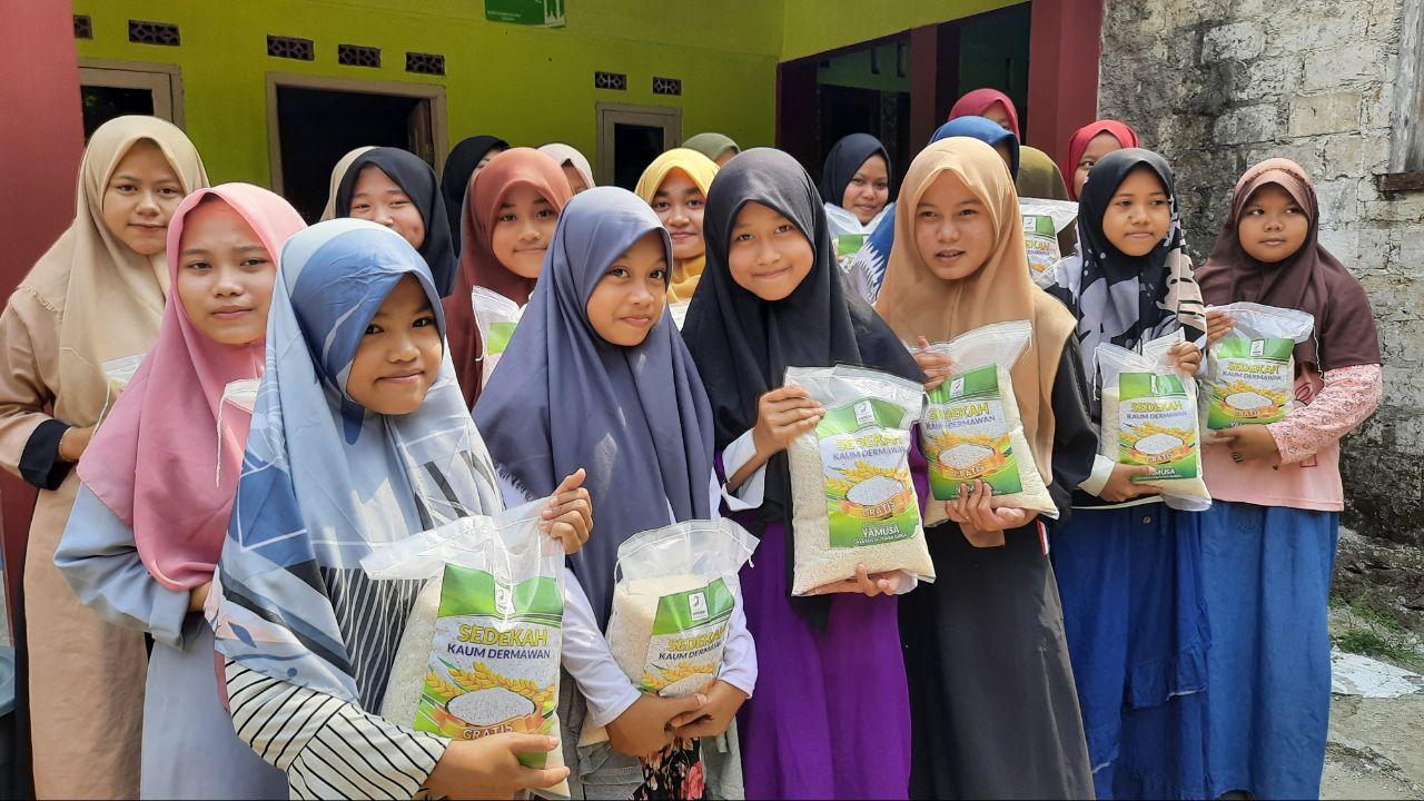 Distribusi Mushaf Al-Qur'an untuk Ponpes Mubtadiin Rumpin Bogor