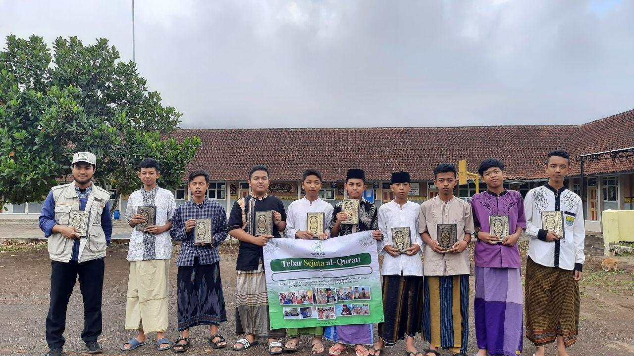 Distribusi Al-Qur'an ke Al-Munawarah Tasikmalaya