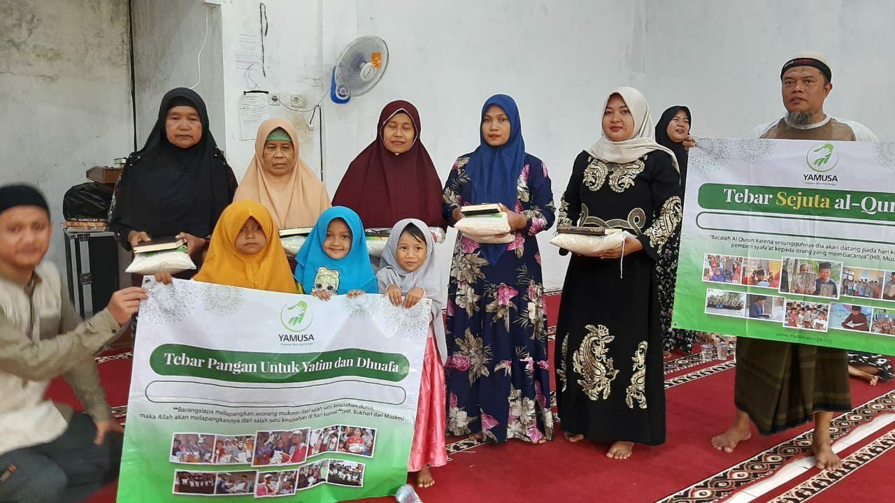 Distribusi Beras ke Warga Dhuafa Tangerang Banten