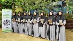 Wakaf Al-Quran untuk Para Santri Kab Sukabumi