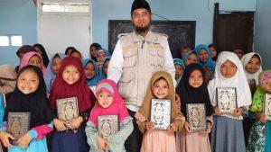 Wakaf Al-Qur'an untuk Ponpes Al-Barokah Kab. Bandung Barat