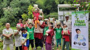 Bantuan Paket Beras untuk Santri Yatim di Ponpes Al-Barokah Dramaga Bogor