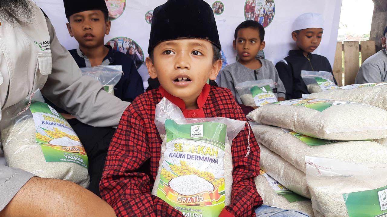 Berbagi Pangan untuk Ponpes Al-Muhajirin Kab Bogor