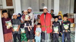 Distribusi Paket Beras kepada Ponpes Assidiq Alhasanah Cianjur