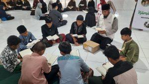 Wakaf Al-Quran untuk Ponpes Yatim Darul Aytam