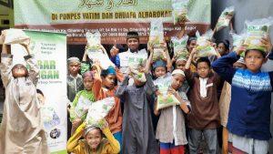 Distribusi Paket Beras untuk Ponpes Al-Barokah Bogor
