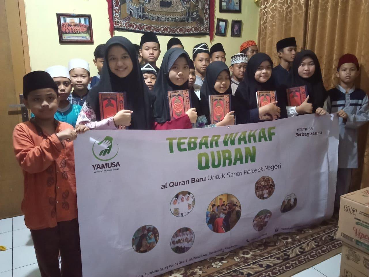 Paket Mushaf untuk Santri Madrasah Al Wasi'ah Bandung