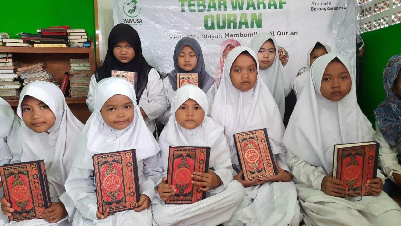 Wakaf Al-Quran untuk Anak Yatim