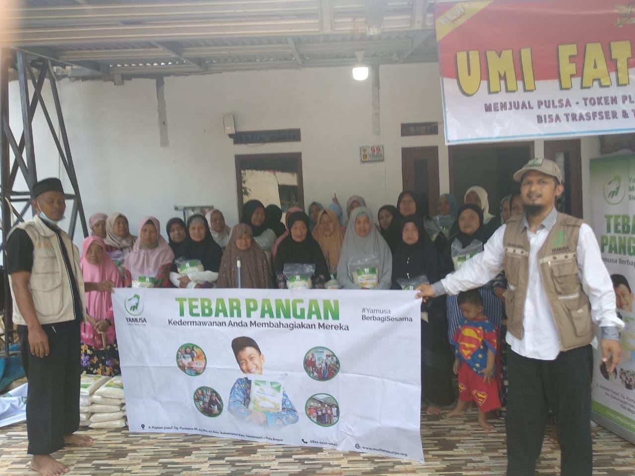 Paket Pangan untuk Waga Dhuafa di Tajurhalang Bogor