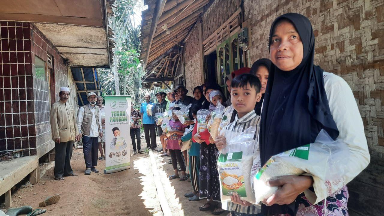 Paket Pangan untuk Kp Cilulumpang Kec Campaka
