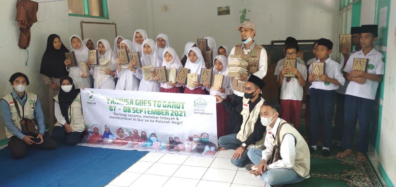Wakaf Al-Quran untuk Madrasah Diniyah Attaufiq
