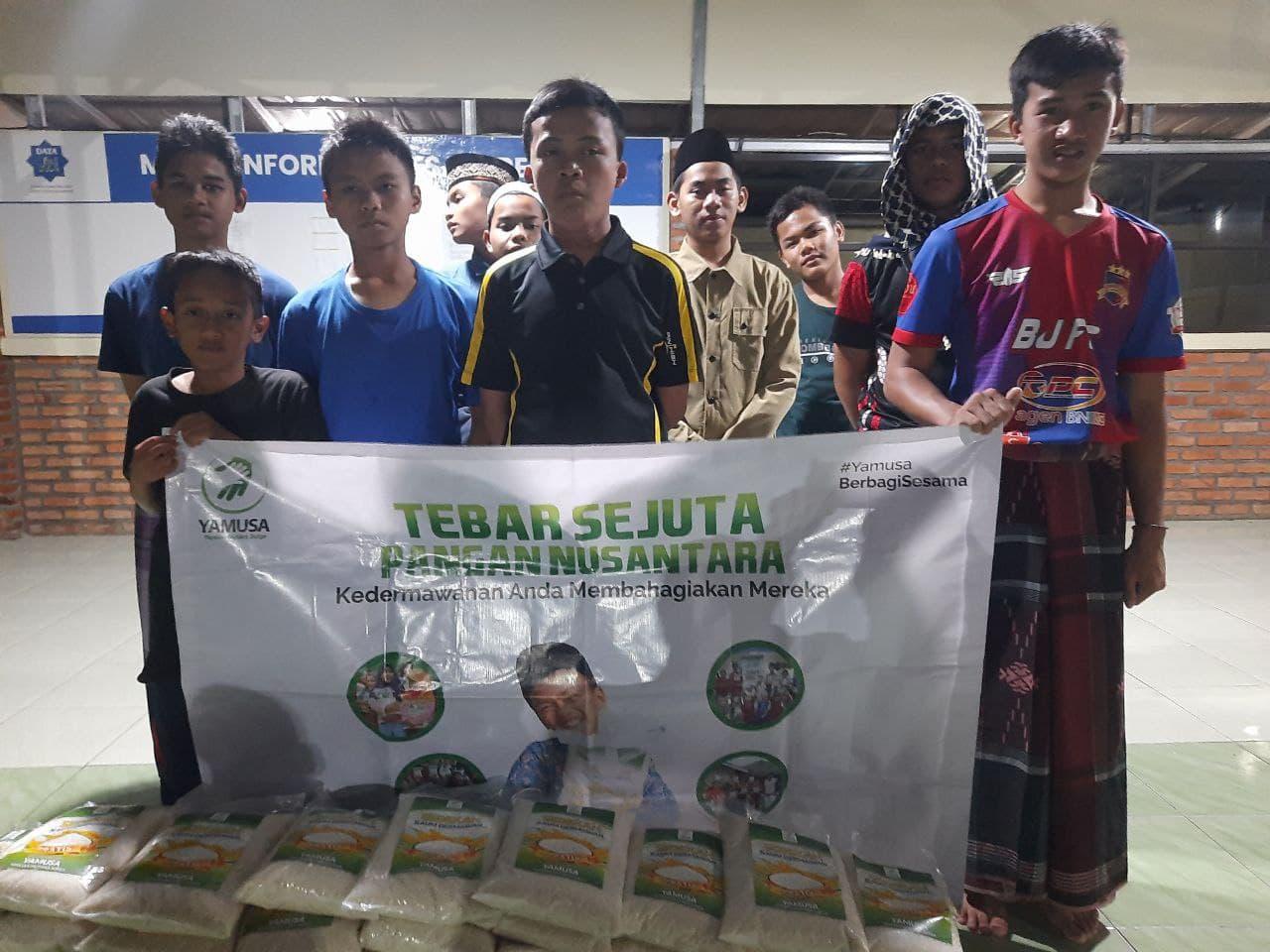 Paket Pangan untuk Ponpes  Daarut Taufiqurrohman Kab Bogor