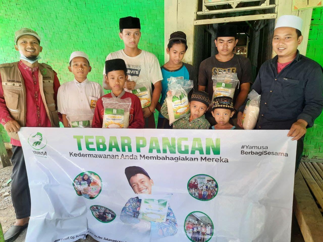 Peduli Pangan untuk Ponpes Al Mubtadi'in Bogor