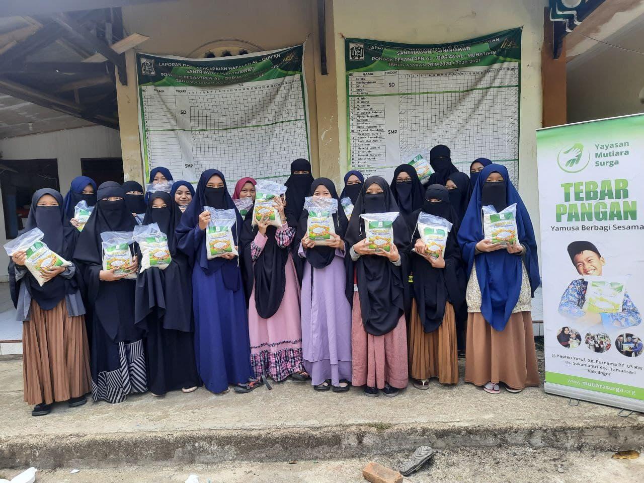 Peduli Pangan di Ponpes Al-Muhajirin Leuwiliang Bogor