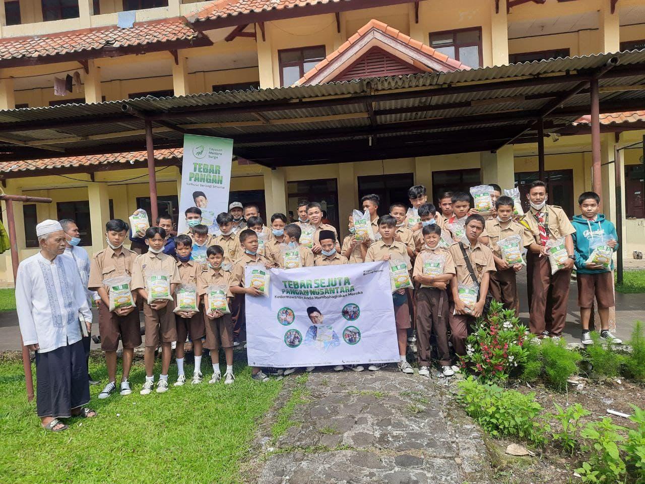 Paket Pangan untuk Sekolah Ponpes Pambudi Luhur Pamijahan Kab.Bogor